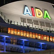 20180412 Cruiseship Aida aan de kade Rotterdam