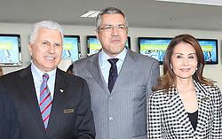 Dra. Waleska Santos, presidente da feira Hospitalar com o ministro da saude, Alexandre Padilha e Francisco Santos. FOTO: Jefferson Bernardes/Preview.com