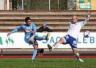 """09.05.2009, Pori, Finland..Ykk?nen 2009.FC PoPa - FC H?meenlinna.Marcelo Gonalves de Oliveira """"Piracaia"""" (PoPa) v Tatu M?kel? (FC Hml).©Juha Tamminen."""