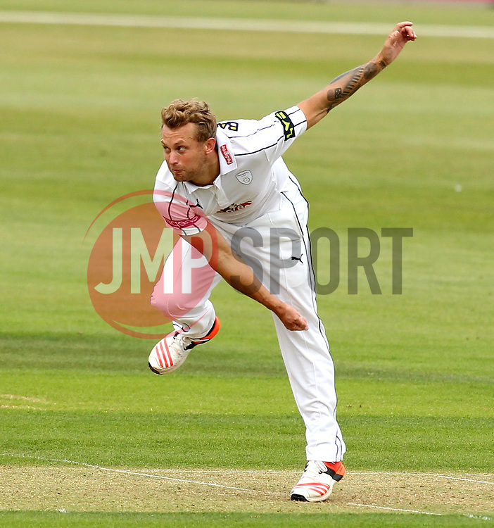 Hampshire's Gareth Berg bowls - Photo mandatory by-line: Robbie Stephenson/JMP - Mobile: 07966 386802 - 21/06/2015 - SPORT - Cricket - Southampton - The Ageas Bowl - Hampshire v Somerset - County Championship Division One