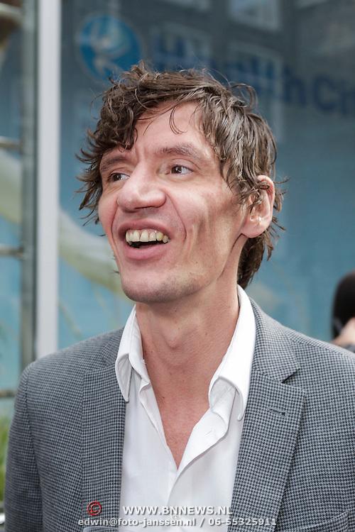 NLD/Amsterdam/20120614 - Uitreiking Jackie's Bachelor List 2012, schijver Dirk Buwalda