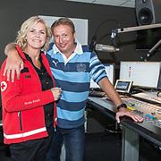 NLD/Hilversum/20180501 - Lancering van 'Somertijd Reanimatiedag' Rob van Someren en Irene Moors