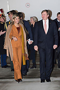 Aankomst van de Koning Willem Alexander en Koningin Maxima per KBX op het vliegveld van Parijs<br /> <br /> Arrival of King Willem Alexander and Queen Maxima with ther KBX at the airport in Paris