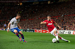 27.09.2011, Old Trafford, London, ENG, UEFA CL, Gruppe C, Manchester United (ENG) vs FC Basel (SUI), im Bild Manchester United's Ryan Giggs in action against FC Basel 1893 // during the UEFA Champions League game, group C, Manchester United (ENG) vs FC Basel (SUI) at Old Trafford stadium in London, United Kingdom on 2011/09/27. EXPA Pictures © 2011, PhotoCredit: EXPA/ Propaganda Photo/ David Rawcliff +++++ ATTENTION - OUT OF ENGLAND/GBR+++++