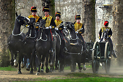 © Licensed to London News Pictures. 22/04/2013. London, UK The King's Troop Royal Horse Artillery arrive to fire a 41 Gun Royal Salute from Green Park at midday today 22 April 2013, in honour of Her Majesty Queen Elizabeth II 87th Birthday. Photo credit : Stephen Simpson/LNP