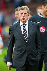 LONDON, ENGLAND - Sunday, September 13, 2009: Fulham's manager Roy Hodgson during the Premiership match against Everton at Craven Cottage. (Photo by David Rawcliffe/Propaganda)