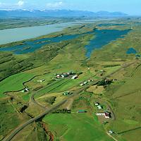 Eiðar skóla- og menningarsetur séð til norðurs, Eiðahreppur..Langbylgjusendir. Lagarfljót og Jökulsárhlíð í baksýni. .Eidar, Eidahreppur