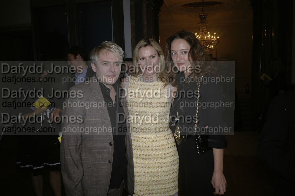 NICK RHODES, KIM CATTRALL AND ALICE TEMPERLEY, Royal  Academy of  Arts summer exhibition opening night. Royal academy. Piccadilly. London. 6 June 2007.  -DO NOT ARCHIVE-© Copyright Photograph by Dafydd Jones. 248 Clapham Rd. London SW9 0PZ. Tel 0207 820 0771. www.dafjones.com.
