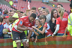 28-07-18 Emirates Airline Park, Johannesburg. Super Rugby semi-final Emirates Lions vs NSW Waratahs. lock Marvin Orie takes a selfie with two young girls. <br />  Picture: Karen Sandison/African News Agency (ANA)