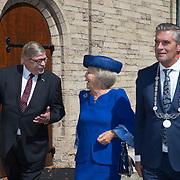 NLD/Doorn/20180824 -  Beatrix opent tentoonstelling 'Verzet en Verdriet in Beeld', Utrechtse Heuvelrug Frits Naafs, Prinses Beatrix en Commissaris van de koning Willibrord van Beek