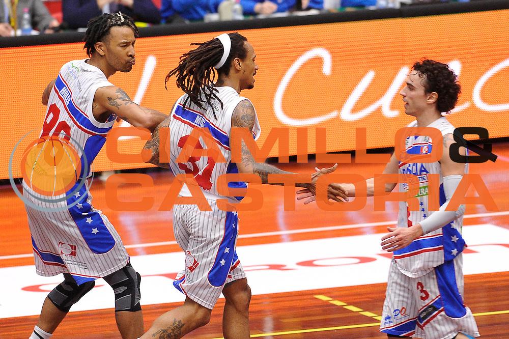 DESCRIZIONE : LNP A2 est 2015- 2016 Centrale del Latte Brescia - Basket Recanati<br /> GIOCATORE : David Moss<br /> CATEGORIA : esultanza<br /> SQUADRA : Centrale del Latte Brescia<br /> EVENTO : LNP A2 est 2015-2016<br /> GARA : Centrale del Latte Brescia - Basket Recanati<br /> DATA : 03/04/2016<br /> SPORT : Pallacanestro <br /> AUTORE : Agenzia Ciamillo-Castoria/A.Scaroni