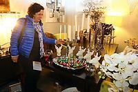 Mannheim. 04.11.17 | Lange Nacht der Kunst und Genüsse<br /> Lange Nacht der Kunst und Genüsse in den Stadtteilen.<br /> - Feudenheim. Eröffnung bei Wohnkult & Genuss<br /> <br /> BILD- ID 20935 |<br /> Bild: Markus Prosswitz 04NOV17 / masterpress (Bild ist honorarpflichtig - No Model Release!)