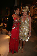 SHIRLEY BASSEY AND IVANA TRUMP,  Grosvenor House Art & Antiques Fair charity gala evening in aid of Coram Foundation. Grosvenor House. Park Lane. London. 14 June 2007.  -DO NOT ARCHIVE-© Copyright Photograph by Dafydd Jones. 248 Clapham Rd. London SW9 0PZ. Tel 0207 820 0771. www.dafjones.com.