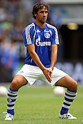 Former Real Madrid striker Raul warms up for Schalke. 31.07.2010,  Fussball T-Home-Cup in der Veltins-Arena Gelsenkirchen auf Schalke, Halbfinale : FC Schalke 04 - Hamburger SV