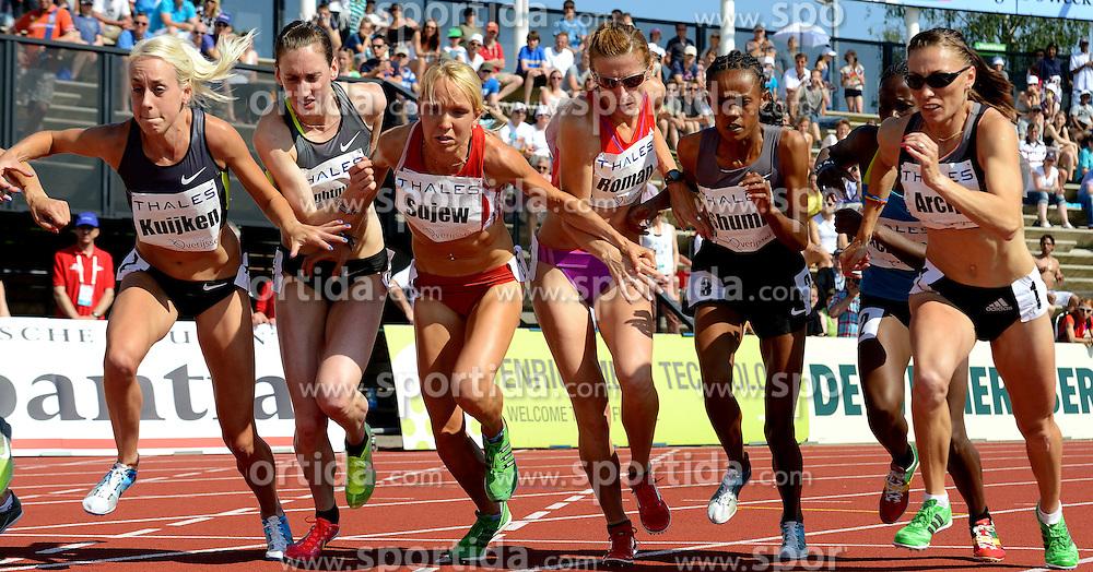 27-05-2012 ATLETIEK: FBK GAMES: HENGELO.Susan Kuijken en Sonja Roman SLO op de 1500 m.©2012-FotoHoogendoorn.nl..