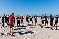 BERGEN - 03-08-2015, strandtraining AZ, strand, AZ trainer John van den Brom.