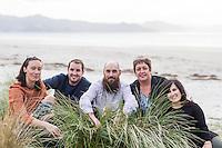 family photography for Kerry Puku & family at Matarangi coromandel photographer felicity jean photography