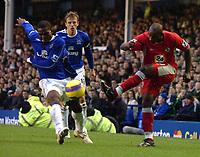 Photo: Paul Greenwood.<br />Everton v Blackburn Rovers. The Barclays Premiership. 10/02/2007. Blackburn's Jason Roberts, right, fires a shot past Everton's Joseph Yobo