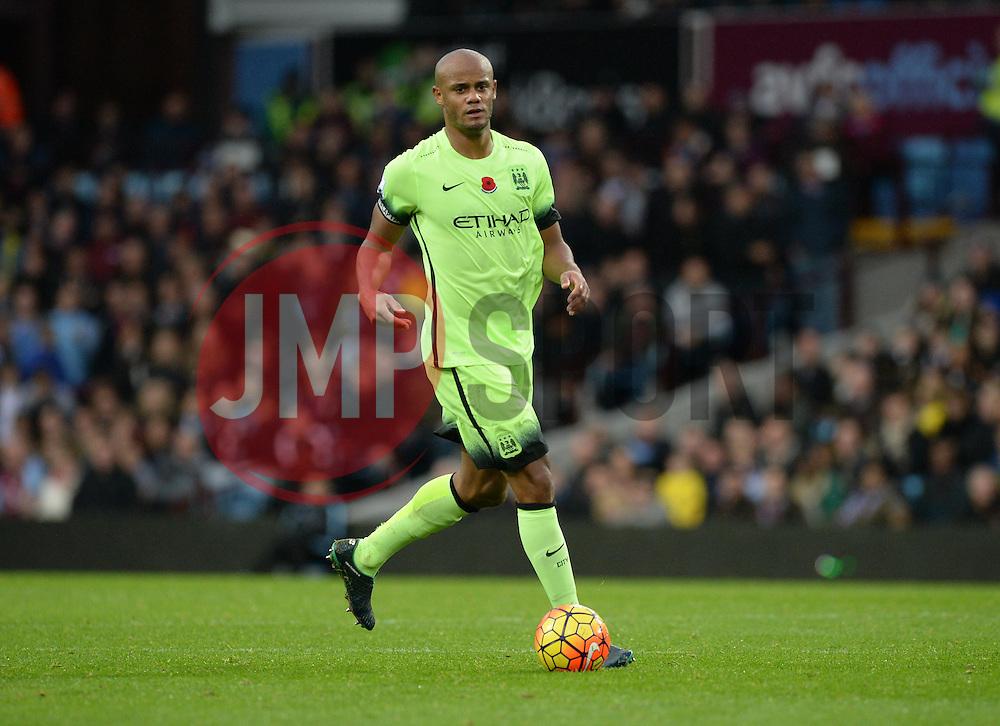 Vincent Kompany of Manchester City - Mandatory byline: Alex James/JMP - 07966 386802 - 08/11/2015 - FOOTBALL - Villa Park - Birmingham, England - Aston Villa v Manchester City - Barclays Premier League