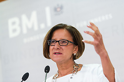 31.07.2015, BMI, Wien, AUT, Bundesregierung, Pressekonferenz zum Thema Asyl, im Bild Bundesministerin für Inneres Johanna Mikl-Leitner (ÖVP) // Minister of the Interior Johanna Mikl-Leitner (OeVP) during press conference according to asylum topic at Ministry of Internal Affairs in Vienna, Austria on 2015/07/31, EXPA Pictures © 2015, PhotoCredit: EXPA/ Michael Gruber
