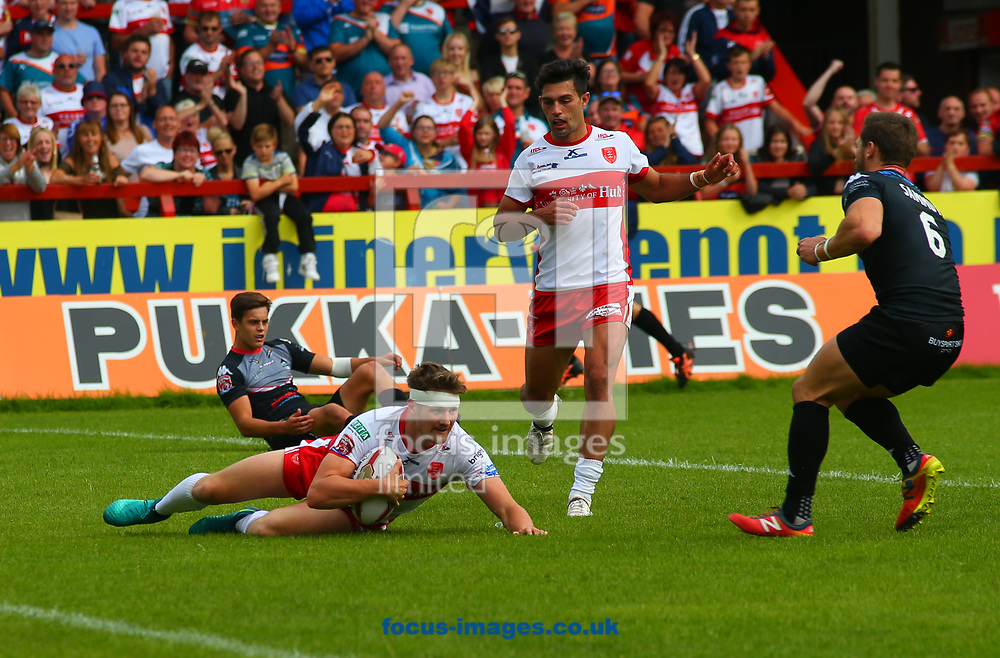 Ryan Shaw of Hull Kingston Rovers dives over to score the try against London Broncos during the Super 8's Qualifiers match at Craven Park, Hull<br /> Picture by Stephen Gaunt/Focus Images Ltd +447904 833202<br /> 20/08/2017