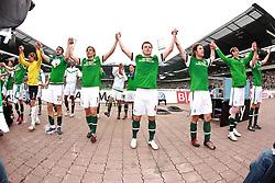 08.05.2010, Weserstadion, Bremen, GER, FBL 09 10, Werder Bremen vs Hamburger SV (HSV) 1:1 (0:0), im Bild Per Mertesacker (GER Werder #29), Sebastian Pr^dl (Proedl AUT Werder #15), Naldo (BRA Werder #04), Hugo Almeida (POR Werder #23), Clemens Fritz (GER Werder #08), Tim Borowski (GER Werder #06), Torsten Frings (GER Werder #22), Phillip Bargfrede (GER Werder #44) Jubeln den Fans zu. EXPA Pictures © 2010, PhotoCredit: EXPA/ nph/  Arend / SPORTIDA PHOTO AGENCY