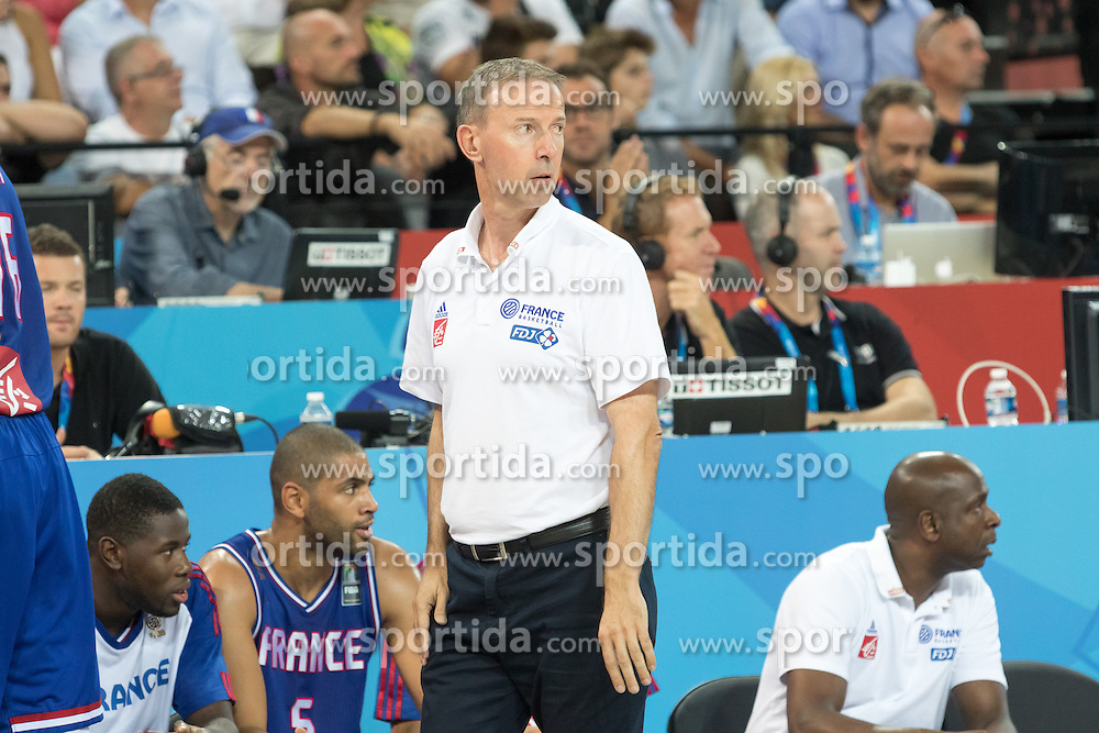 06.09.2015, Park Suites Arena, Montpellier, FRA, Bosnien und Herzegowina vs Frankreich, Gruppe A, im Bild \VINCENT COLLET // during the FIBA Eurobasket 2015, group A match between Bosnia an Herzegowina and France at the Park Suites Arena in Montpellier, France on 2015/09/06. EXPA Pictures &copy; 2015, PhotoCredit: EXPA/ Newspix/ Pawel Pietranik<br /> <br /> *****ATTENTION - for AUT, SLO, CRO, SRB, BIH, MAZ, TUR, SUI, SWE only*****