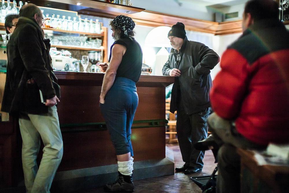 02 FEB 2011 - Erto (Pordenone) - Mauro Corona, scrittore, alpinista e scultore, al bar vicino al suo studio :-: Italian writer, climber and carver Mauro Corona