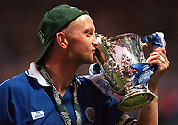 Matt Elliott, Leicester's Captain and also scorer of their two goals, kisses the Cup. Leicester City v Tranmere Rovers, Worthington League Cup Final, Wembley Stadium, 27/2/2000. Credit: Colorsport / Matthew Impey