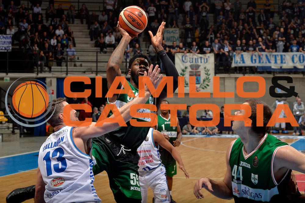 Adonis Thomas<br /> Red October Pallacanestro Cantu - Sidigas Scandone Avellino<br /> Lega Basket Serie A 2016/2017<br /> Desio, 12/12/2016<br /> Foto Ciamillo-Castoria