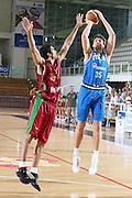 DESCRIZIONE : Trento Torneo Internazionale Maschile Trentino Cup Italia Portogallo Italy Portugal<br /> GIOCATORE : Andrea Bargnani<br /> SQUADRA : Italia Italy<br /> EVENTO : Raduno Collegiale Nazionale Maschile <br /> GARA : Italia Portogallo Italy Portugal<br /> DATA : 27/07/2009 <br /> CATEGORIA : tiro<br /> SPORT : Pallacanestro <br /> AUTORE : Agenzia Ciamillo-Castoria/E.Castoria<br /> Galleria : Fip Nazionali 2009 <br /> Fotonotizia : Trento Torneo Internazionale Maschile Trentino Cup Italia Portogallo Italy Portugal<br /> Predefinita :