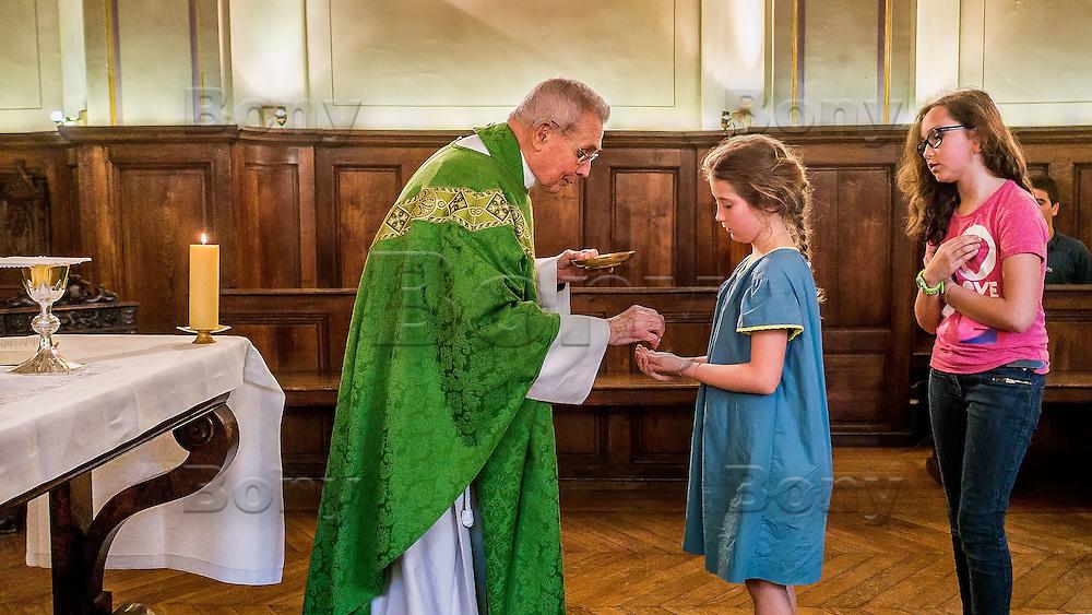 Messe donnee par le Pere Pillaut
