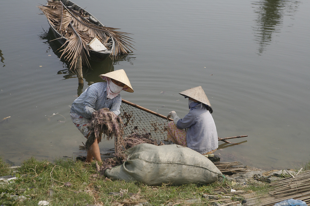 Hoi An, Vietnam. March 14th 2007..A everyday's life scene in the village of Cam Thanh.