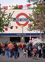 Photo: Daniel Hambury.<br />Arsenal v Wigan Athletic. The Barclays Premiership. 07/05/2006.<br />Highbury tube station on the day of the last ever game at HIghbury.