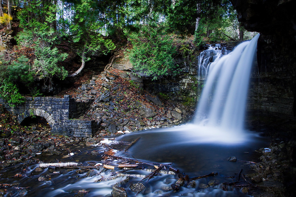 Long Exposure of water falls in Hamilton region