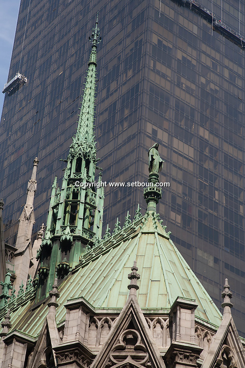 New York. Saint Patrick cathedral . fifth avenue. Manhattan - United states  / la cathedrale Saint Patrick,sur la 5 em avenue.   Manhattan, New York - Etats unis