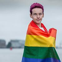 Nederland, Amsterdam, 22 oktober 2016.<br />7-Days jongere van het jaar verkiezing.<br />De genomineerden van de jongere van het jaar Verkiezingen 2016.<br />v.l.n.r. Jeroen van Holland,Susan Radder, Annegien Schilling, Costas Vermeer, Alessandra Peters, Trobi en een stand in.<br />Op de foto: Costas Vermeer (16) richtte een Gay Straight Alliance op en zet zich in tegen pesten.<br /><br /><br /><br />Foto: Jean-Pierre Jans