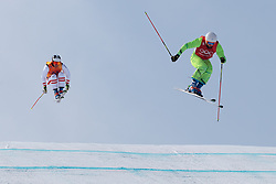 21.02.2018, Phoenix Snow Park, Bokwang, KOR, PyeongChang 2018, Freestyle, Ski Cross, Herren, im Bild Thomas Zangerl (AUT), Filip Flisar (SLO) // Thomas Zangerl of Austria Filip Flisar of Slovenia during the men's Freestyle Ski Cross competition of the Pyeongchang 2018 Winter Olympic Games at the Phoenix Snow Park in Bokwang, South Korea on 2018/02/21. EXPA Pictures © 2018, PhotoCredit: EXPA/ Johann Groder