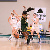 2nd year guard Kyanna Giles (9) of the Regina Cougars during the Women's Basketball home game on January 6 at Centre for Kinesiology, Health and Sport. Credit: Arthur Ward/Arthur Images