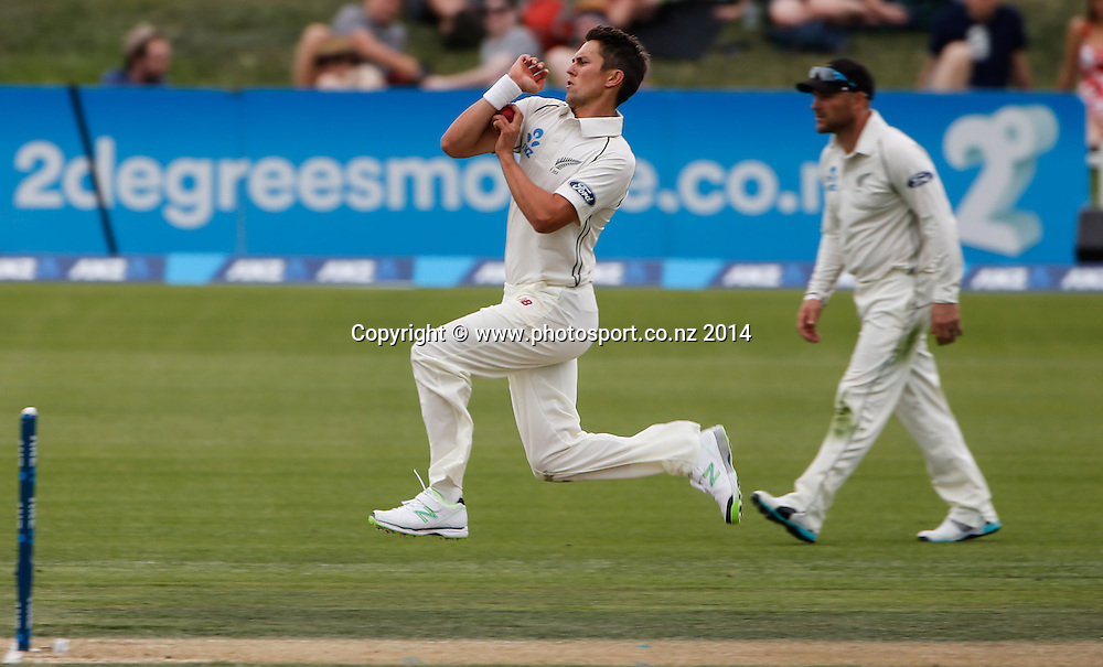 Trent Boult bowls. Day 2, ANZ Boxing Day Cricket Test, New Zealand Black Caps v Sri Lanka, 27 December 2014, Hagley Oval, Christchurch, New Zealand. Photo: John Cowpland / www.photosport.co.nz
