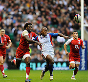 Twickenham, GREAT BRITAIN, Left Paul SACKEY and right Mosese RAULUNI chase the loose ball, during the Investic Challenge, England vs Pacific Islanders, at Twickenham Stadium, Surrey on Sat 08.11.2008 [Photo, Peter Spurrier/Intersport-images]