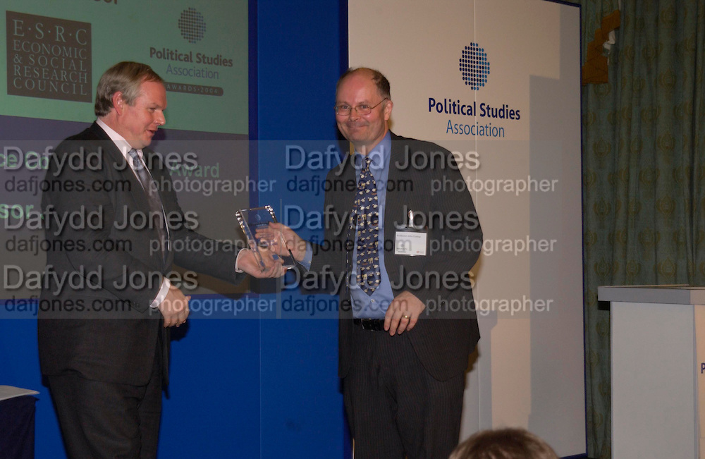 Adam Boulton and John Curtice. Political Studies Association Awards 2004. Institute of Directors, Pall Mall. London SW1. 30 November 2004.  ONE TIME USE ONLY - DO NOT ARCHIVE  © Copyright Photograph by Dafydd Jones 66 Stockwell Park Rd. London SW9 0DA Tel 020 7733 0108 www.dafjones.com