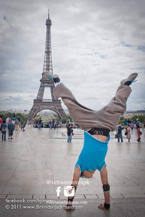 Parkour, Freerunning photography in Paris, France with Simon Nogueira, Florian Bernard and Marsu MxM.