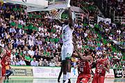 DESCRIZIONE : Siena Lega A 2013-14 Montepaschi Siena vs EA7 Emporio Armani Milano playoff Finale gara 3<br /> GIOCATORE : Othello Hunter<br /> CATEGORIA : Schiacciata<br /> SQUADRA : Montepaschi Siena<br /> EVENTO : Finale gara 3 playoff<br /> GARA : Montepaschi Siena vs EA7 Emporio Armani Milano playoff Finale gara 3<br /> DATA : 19/06/2014<br /> SPORT : Pallacanestro <br /> AUTORE : Agenzia Ciamillo-Castoria/GiulioCiamillo<br /> Galleria : Lega Basket A 2013-2014  <br /> Fotonotizia : Siena Lega A 2013-14 Montepaschi Siena vs EA7 Emporio Armani Milano playoff Finale gara 3<br /> Predefinita :