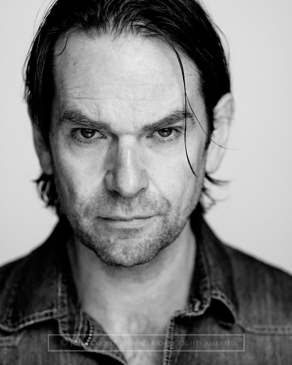 Headshot of actor Duncan Lacroix, who plays the charachter Murtagh in Outlander.