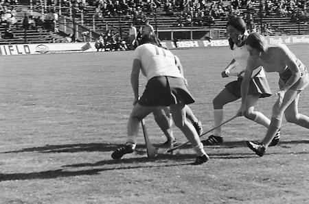 A group of players huddle around fighting for possession of the slitor during the All Ireland Senior Camogie Final Cork v Wexford in Croke Park on the 21st September 1975. Wexford 4-3 Cork 1-2.
