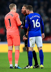 13 January 2018 -  Premier League - Tottenham Hotspur v Everton - Jordan Pickford and James McCarthy of Everton confront Referee Craig Pawson after Harry Kane of Tottenham Hotspur scores his 1st goal - Photo: Marc Atkins/Offside