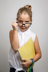 THEMENBILD - Ein Mädchen mit Brille posiert als strenge Lehrerin am 10. Dezember 2017 in Graz // THEMES PICTURE - a girl dressed like a teacher with glasses on 10 December 2017 in Graz, Austra. EXPA Pictures © 2017, PhotoCredit: EXPA/ Erwin Scheriau