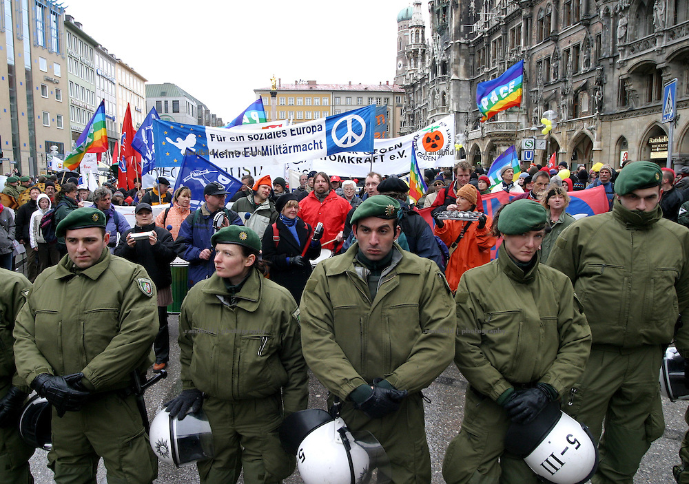 Protests against the 41. Security Conference in Munich. Thousands gather to demand peace.