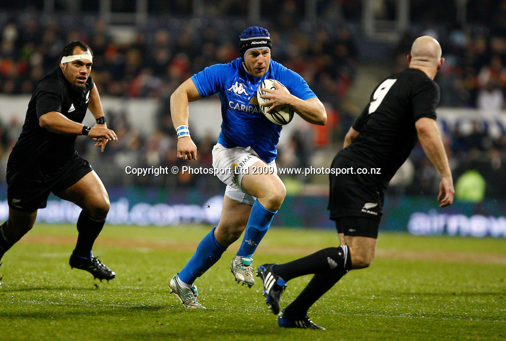 Italian hooker Leonardo Ghiraldini during an international rugby union test match, All Blacks v Italy. AMI Stadium, Christchurch, New Zealand. Saturday 27 June 2009. Photo: Simon Watts/PHOTOSPORT